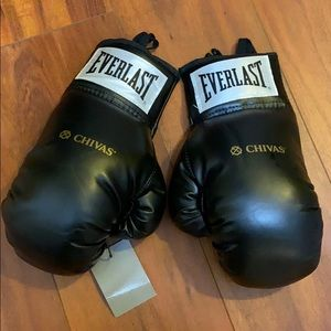 Everlast special edition Chivas boxing gloves NWT